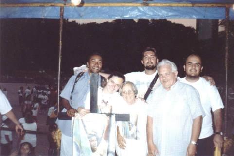 Grito/1999 - Irmã Dolores e Pe Claudio Griveau. Imagem do Reverendo Anglicano Leandro Campos.