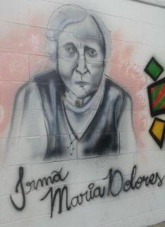 Nos muros da Área Continental, a homenagem a religiosa que dedicou a vida aos mais pobres.